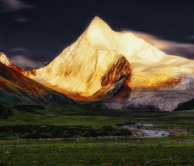 """西藏名字最""""特别""""的县,高原山脉天然形成,被誉为高原乌托邦"""