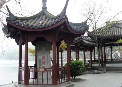 除了许仙与白娘子,你还知道断桥的哪些故事?